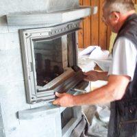 14 Einbau Feuerraum Glastuer